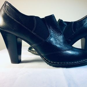 Sofft Black Leather Bootie Heel Size 8 1/2 M